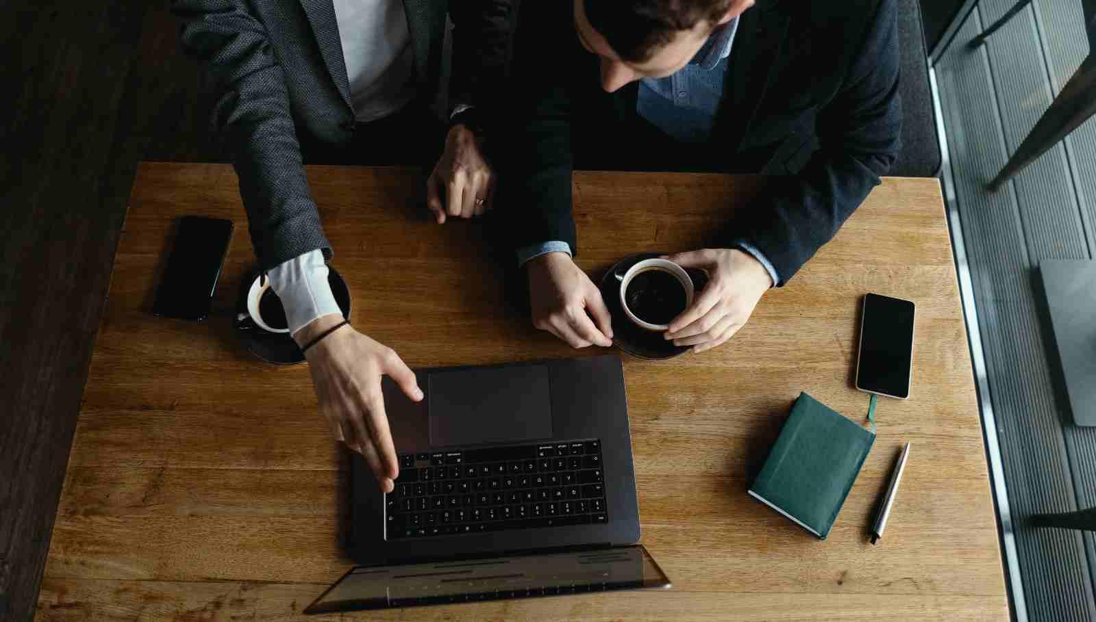 Gradiš ali izčrpavaš podjetje?